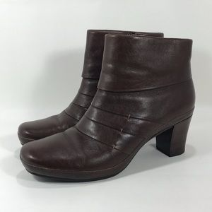 Clarks Artisan Leather Heeled Ankle Boots Sz 9.5